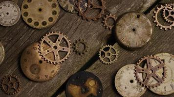 girato stock footage rotante di quadranti di orologi antichi e stagionati - quadranti 076