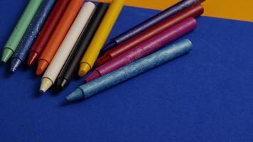 tiro giratório de giz de cera colorido para desenho e artesanato - giz de cera 020