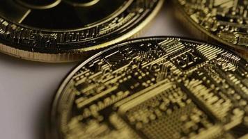 rotierende Aufnahme von Bitcoins (digitale Kryptowährung) - Bitcoin 0361