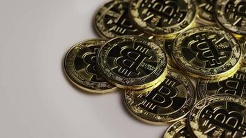 rotierende Aufnahme von Bitcoins (digitale Kryptowährung) - Bitcoin 0302