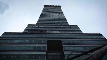 clipe inclinado para baixo da torre latino-americana video