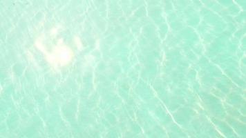 superfície da água da piscina video