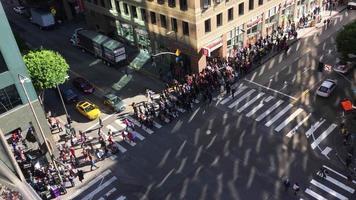 gente marchando y protestando 4k video