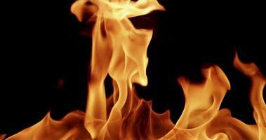 fundo dinâmico quente com fogo para tópicos de energia em câmera lenta 4k