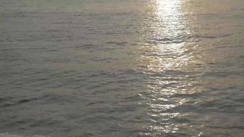 agua vista desde un barco de vela 4k