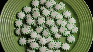 colpo rotante di caramelle dure alla menta verde - caramelle menta verde 039
