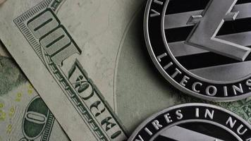 tiro giratório de bitcoins (criptomoeda digital) - bitcoin litecoin 600