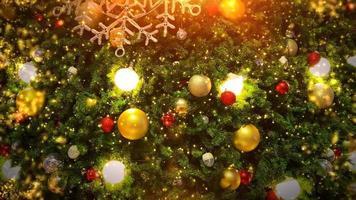 Weihnachtsbaum und Beleuchtung.