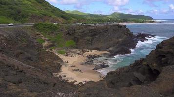 Hawaiian Cove vu de l'autoroute H-1 4k