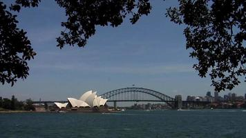 Opéra de Sydney et pont