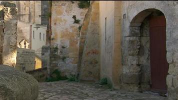 Matera Italia calle adoquinada