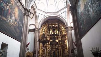 interior de la iglesia de san francisco de asis