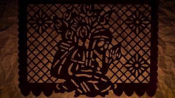 papel picoteado tradicional de coleccionista de flores video