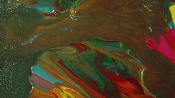 mezcla de pinturas rojo, verde y marrón