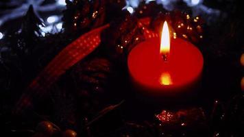 decoração de natal quente com luzes no fundo