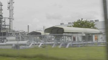foto de viagem de grandes edifícios da área industrial da Geórgia video