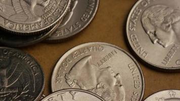 girato stock footage rotante di quarti americani (moneta - $ 0,25) - denaro 0231