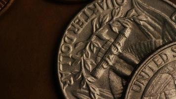 Imágenes de archivo giratorias tomadas de monedas monetarias estadounidenses - dinero 0278 video