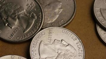 girato stock footage rotante di quarti americani (moneta - $ 0,25) - denaro 0233