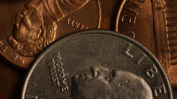 roterend voorraadbeeldschot van Amerikaanse monetaire muntstukken - geld 0280