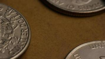 girato stock footage rotante di quarti americani (moneta - $ 0,25) - denaro 0221