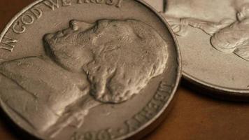 roterend voorraadbeeldschot van Amerikaanse monetaire muntstukken - geld 0263