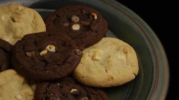 filme cinematográfico giratório de biscoitos em um prato - biscoitos 266