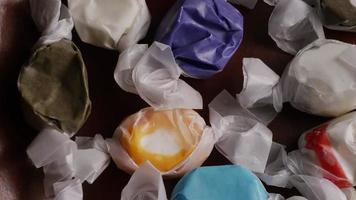 colpo rotante di taffies di acqua salata - candy taffy 006
