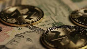 tiro giratório de bitcoins (criptomoeda digital) - bitcoin monero 181