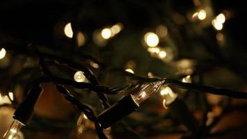 Plano cinematográfico y giratorio de luces navideñas ornamentales - Navidad 008