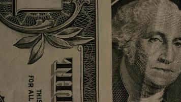 rotierender Schuss von amerikanischem Geld (Währung) - Geld 480 video