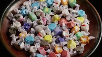 colpo rotante di taffies di acqua salata - candy taffy 010