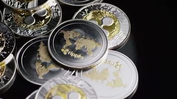 rotierende Aufnahme von Bitcoins (digitale Kryptowährung) - Bitcoin-Welligkeit 0186