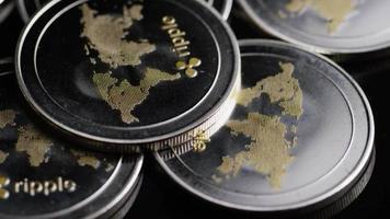 roterende opname van bitcoins (digitale cryptocurrency) - bitcoin rimpel 0148