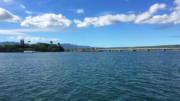 vista en barco de pearl harbour 4k