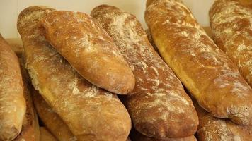 vídeo de pão rústico em padaria