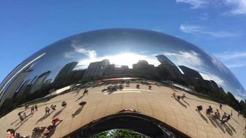 Gros plan de la porte des nuages / statue de haricot à chicago 4k