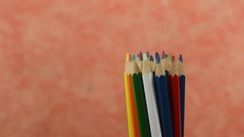 lápis de cor girando