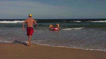 sauveteurs de surf