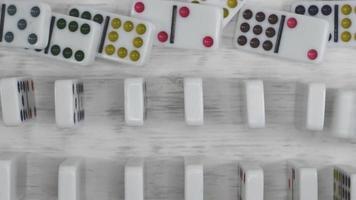 filas de dominó con reverso
