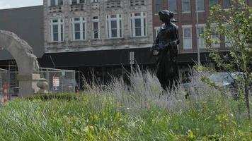 la statue partie 1
