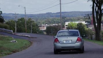 el camino en la colina