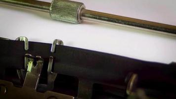 máquina de escrever capítulo um dois três video