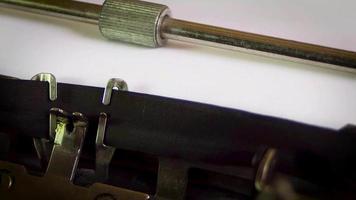 notícias de última hora da máquina de escrever falsas 0977 video