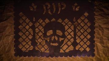 papier picoré traditionnel de crâne et bougies video