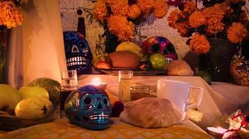 oferta mexicana com caveiras coloridas video
