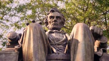 close-up extremo da estátua de Lincoln sentado no Grant Park Chicago