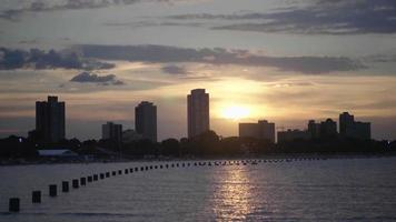 horizonte de la ciudad de chicago con hermosa puesta de sol