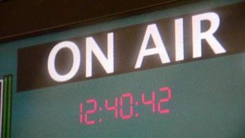 monitor de aire con reloj video