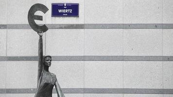la sculpture europe dans le complexe du parlement européen